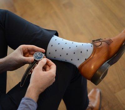 Ako správne dopasovať ponožky a topánky k nohaviciam