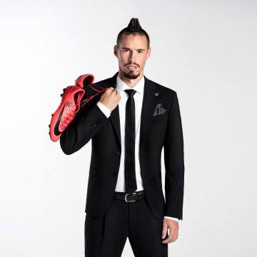 Oblek z limitovanej edície Marek Hamšík, 98% vlna, čierny