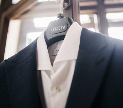 Ako si jednoducho vybrať oblek online?